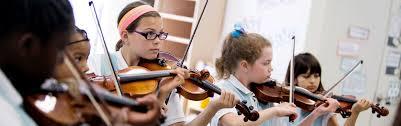 «Διαλύουν» τα Μουσικά Σχολεία – Η Διονυσία-Θεοδώρα Αυγερινοπούλου στο πλευρό γονέων και μαθητών των μουσικών σχολείων