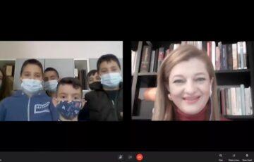Πρωτοχρονιάτικα Κάλαντα και ευχές για καλή χρονιά από τα παιδιά στη Δαφνιώτισσα Ήλιδας στην Δ. Αυγερινοπούλου